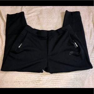 Nike lab tech fleece tapered joggers